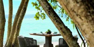 Amaany_Table_on_the_beach