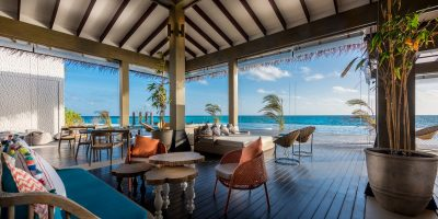 Breeze, Poolside Dining and Bar