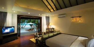 SUNSET JUNIOR SUITE - VEW FROM BED