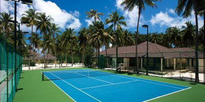 TENNIS COURT WITH SPORTS CENTRE